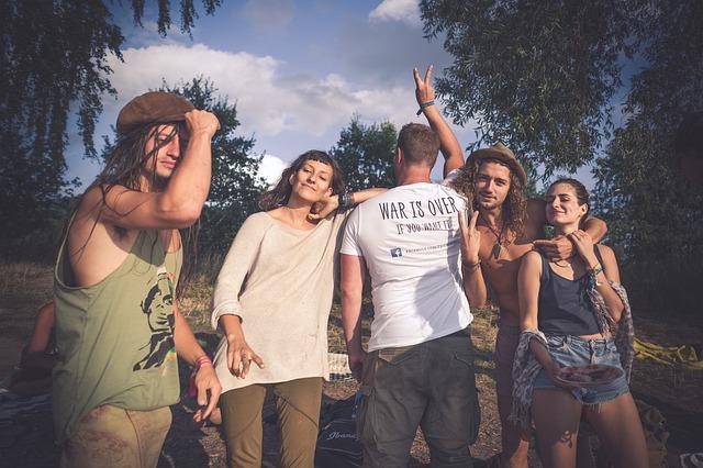 hippie 4518127 640