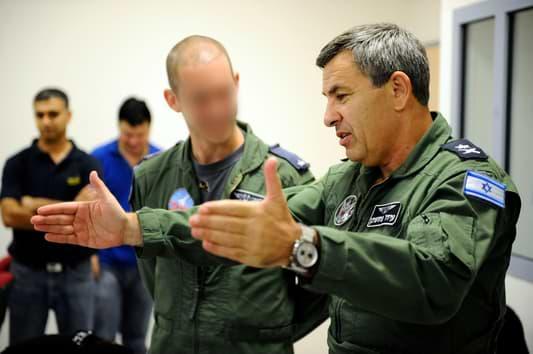 Commander of the IAF, Maj. Gen. Ido Nachushtan Visits Combat Training Squadron Israel Defense Forces